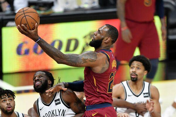Форвард клуба НБА Кливленд Кавальерс Леброн Джеймс