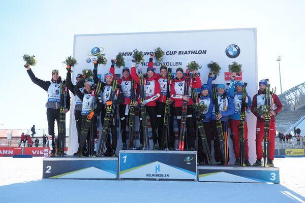 Сборная Австрии, сборная Норвегии и сборная России (слева направо)