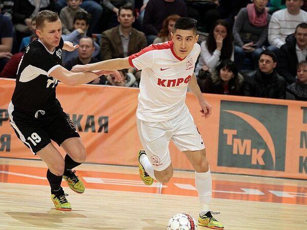 Игровой момент матча чемпионата России по мини-футболу КПРФ - Синара