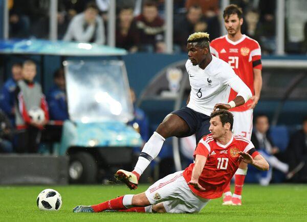 Полузащитник сборной Франции по футболу Поль Погба (№6)