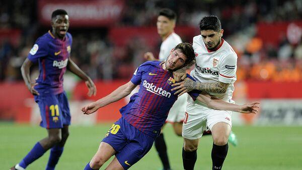 Игровой момент матча чемпионата Испании Севилья - Барселона