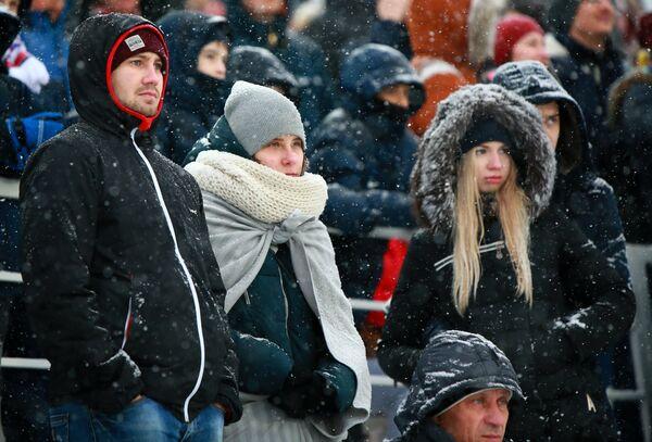 Болельщики во время матча 24-го тура чемпионата России по футболу среди клубов Премьер-лиги между командами ФК Уфа и ФК Зенит