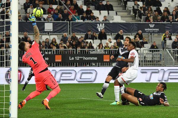 Игровой момент матча чемпионата Франции Бордо - Лилль