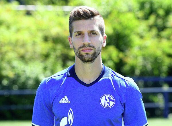 Защитник немецкого Шальке и сборной Сербии по футболу Матия Настасич