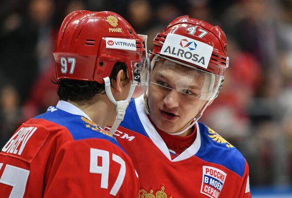Нападающие сборной России Никита Гусев (слева) и Кирилл Капризов