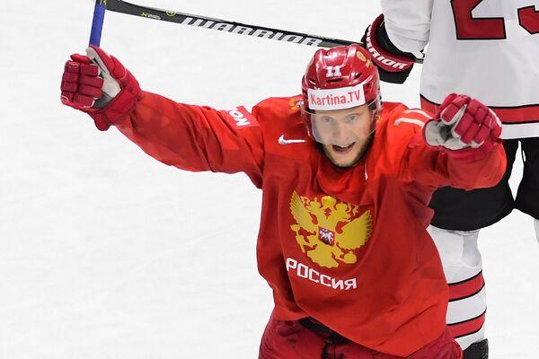 Форвард сборной России Сергей Андронов радуется заброшенной шайбе