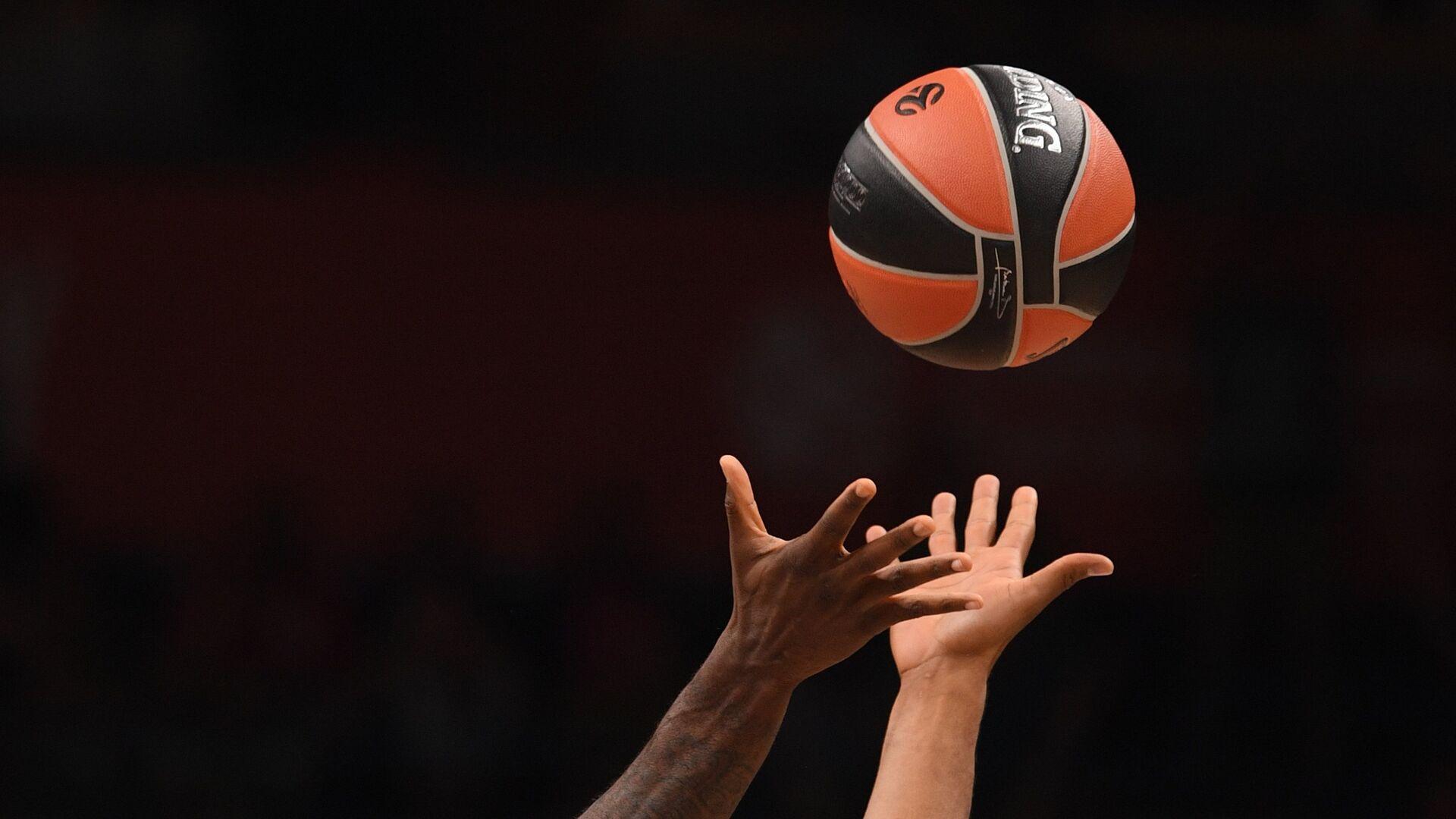 Баскетбольный мяч - РИА Новости, 1920, 08.10.2020
