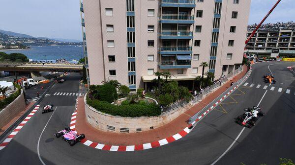 Пилоты во время гонки на этапе Гран-при Монако Формулы-1