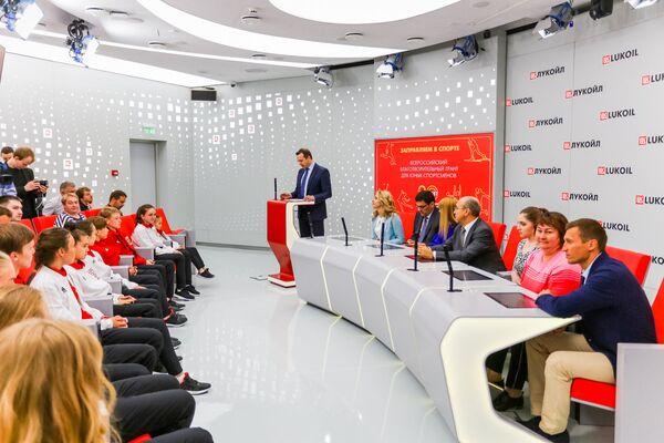 Лауреаты всероссийского детского гранта Заправляем в спорте награждены в Москве