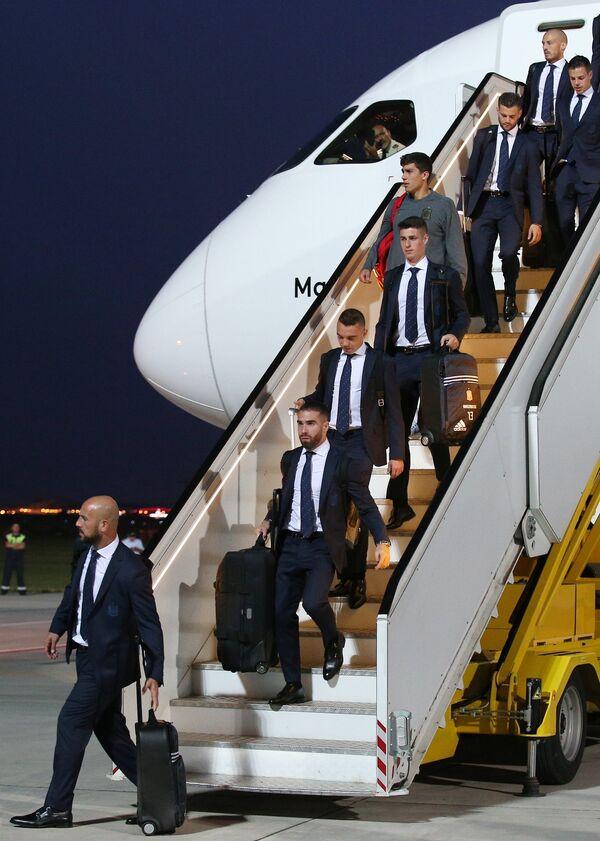 Футболисты сборной Испании в аэропорту Краснодара