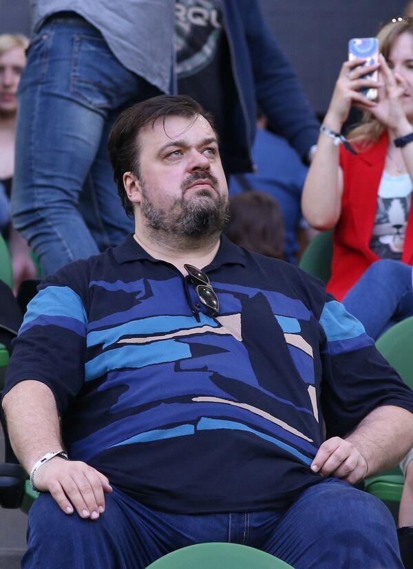 Спортивный комментатор Василий Уткин