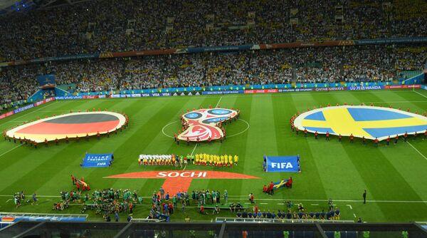 Футболисты сборных Германии и Швеции