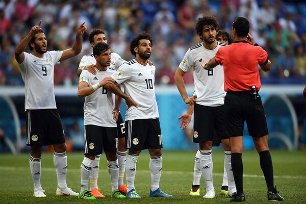 Футболисты сборной Египта Марван Мохсен, Тарек Хамед, Мохаммед Салах, Ахмед Хегази (слева направо)