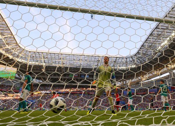 Гол в ворота голкипера сборной Германии Мануэля Нойера
