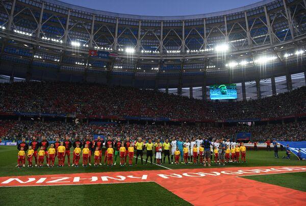 Футболисты сборных Швейцарии и Коста-Рики