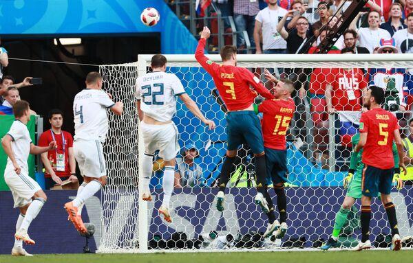 Испанский защитник Жерар Пике