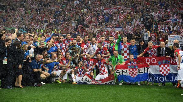 Футболисты сборной Хорватии и тренерский штаб