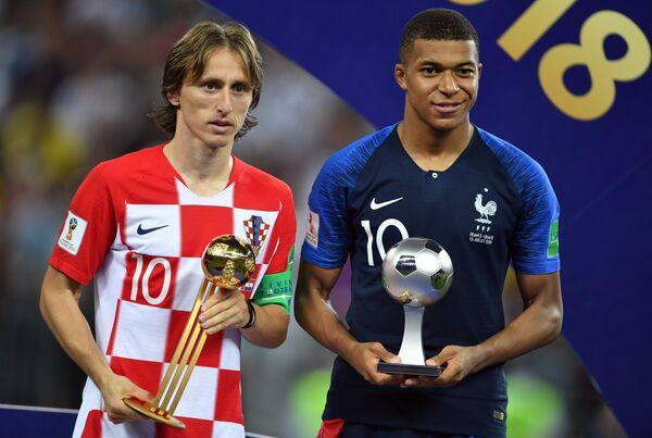Лучший игрок чемпионата мира Лука Модрич и лучший молодой игрок чемпионата мира  Килиан Мбаппе
