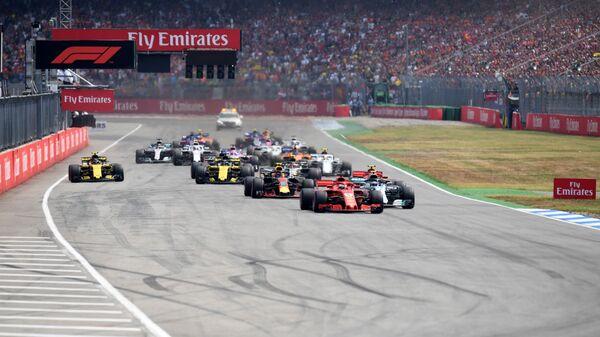 Пилоты во время гонки 11-го этапа чемпионата Формулы-1 - Гран-при Германии