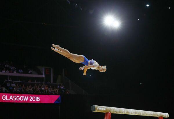 Нидерландская гимнастка Санне Веверс