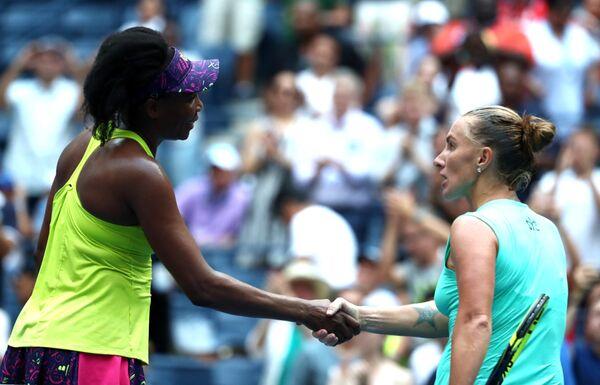 Светлана Кузнецова (справа) и Винус Уильямс на US Open