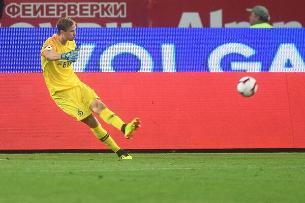Голкипер Динамо Антон Шунин