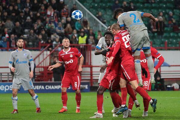 Голевой момент в матче Локомотив - Шальке