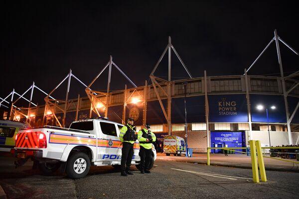 Спецслужбы рядом со стадионом Лестера