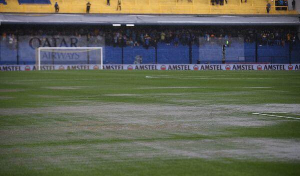 Поле стадиона в Буэнос-Айресе перед матче Ривер Плейт - Бока Хуниорс