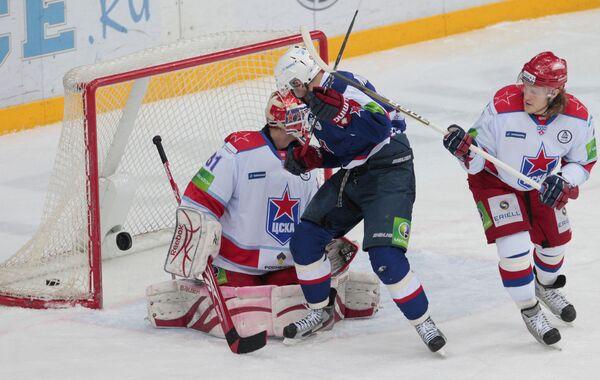 Игровой момент матча СКА (Санкт-Петербург) - ЦСКА (Москва)