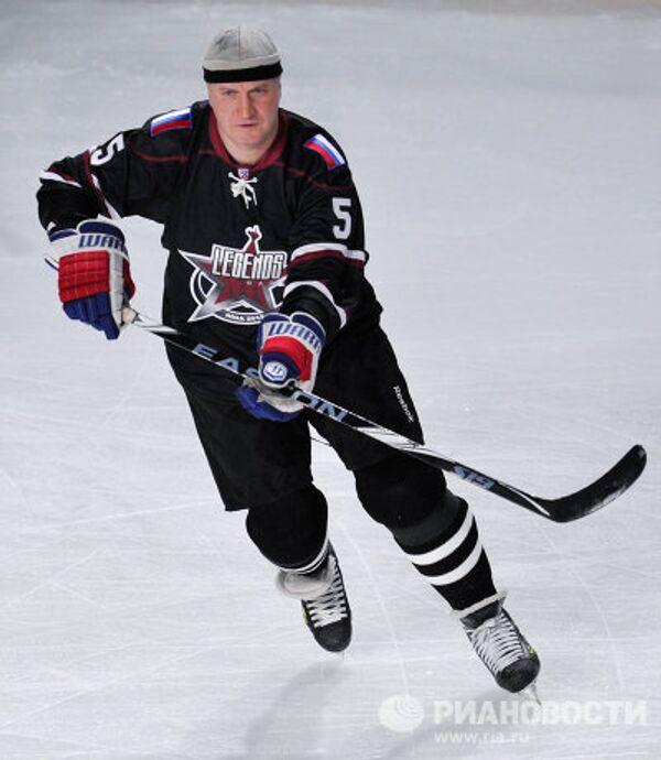 Хоккеист Алексей Гусаров