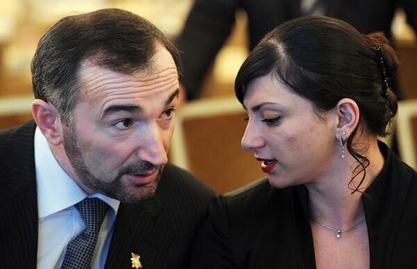 Казбек Золоев и Светлана Царукаева (слева направо)
