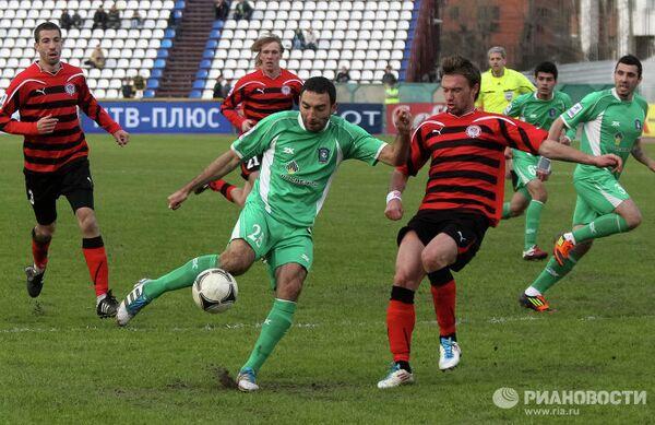 Игровой момент матча Томь - Амкар