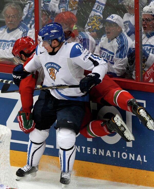 Игровой момент матча Финляндия - Белоруссия