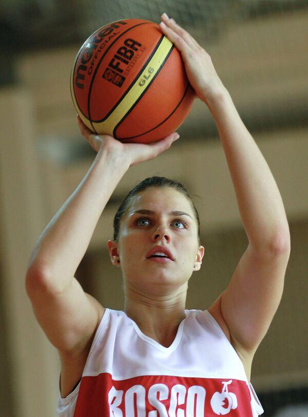 Анна Петракова