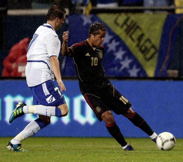 Игровой момент матча Мексика - Босния и Герцеговина