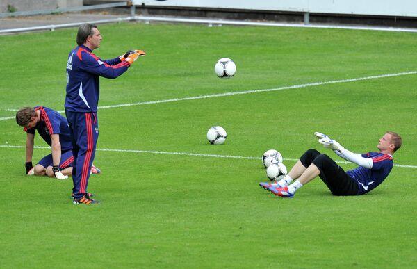 фуТренировка сборной России в Ньоне