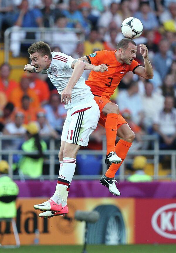 Игровой момент матча Нидерланды - Дания
