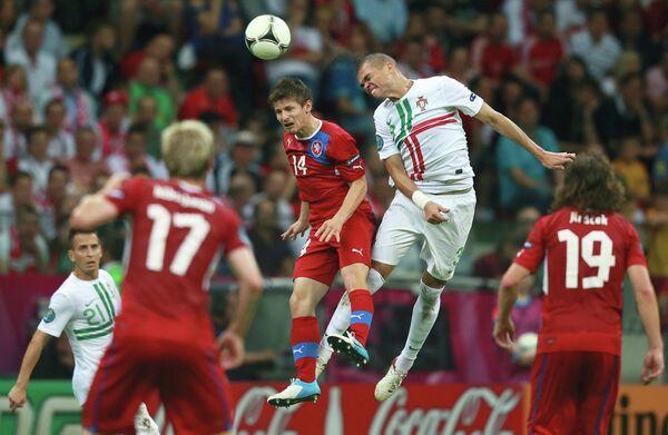 Игровой момент матча сборных Чехии и Португалии
