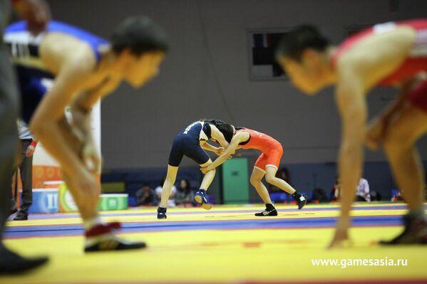 Соревнования по вольной борьбе на V МСИ Дети Азии