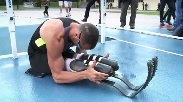 Писториус тренируется на карбоновых протезах перед поездкой на ОИ в Лондон