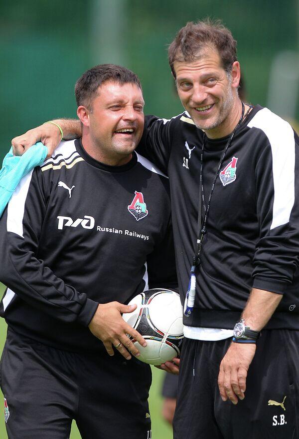 Славен Билич и тренер Игорь Черевченко (справа налево)