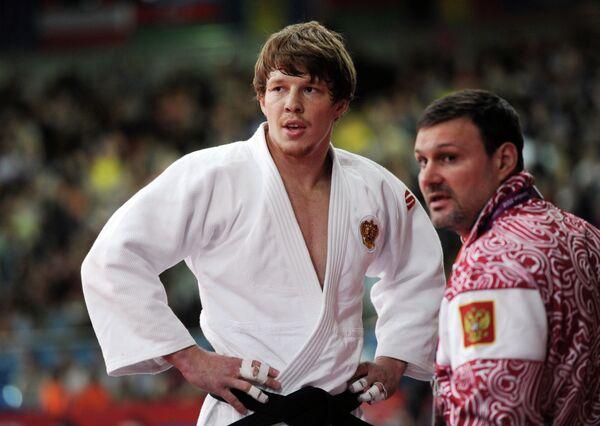 Иван Нифонтов (слева)