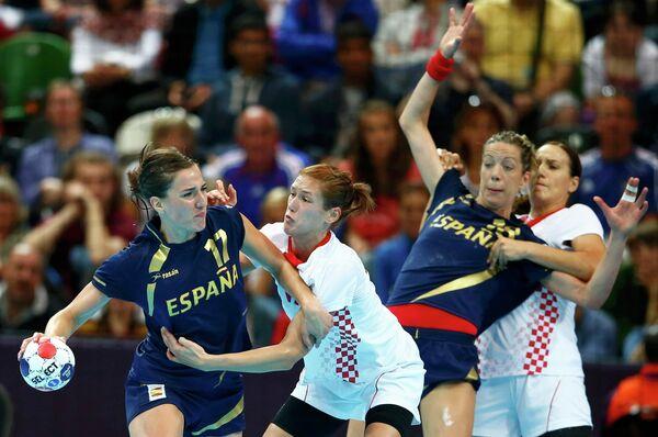 Игровой момент матча Испания - Хорватия
