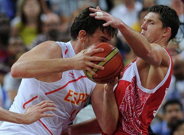 Игровой момент матча Испания – Россия