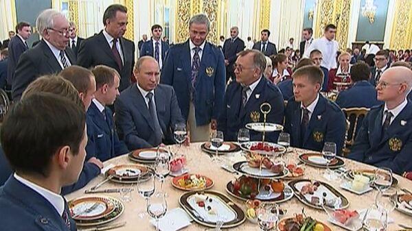 Путин узнал, о чем мечтают паралимпийцы перед Играми в Лондоне