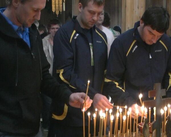 Молебен по хоккеистам Локомотива прошел в одном из храмов Уфы