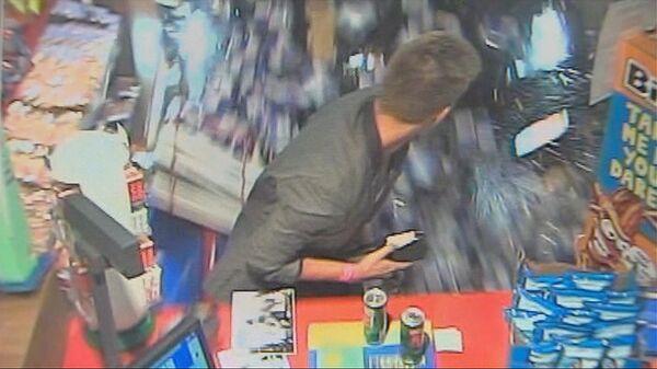 Футболист Терека Лежар протаранил на Porsche магазин на АЗС в Бельгии