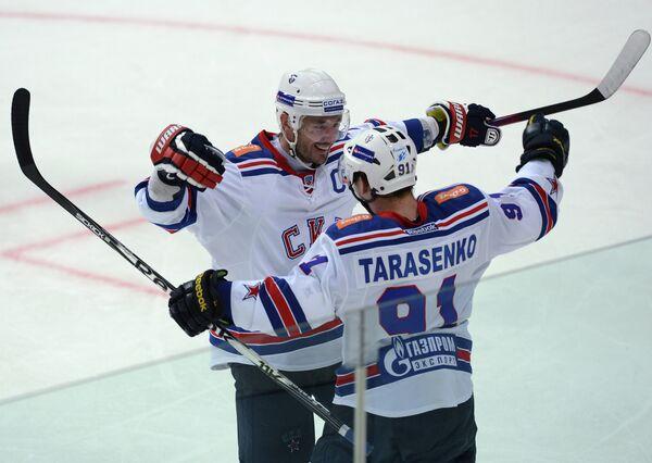 Илья Ковальчук и Владимир Тарасенко (слева направо)