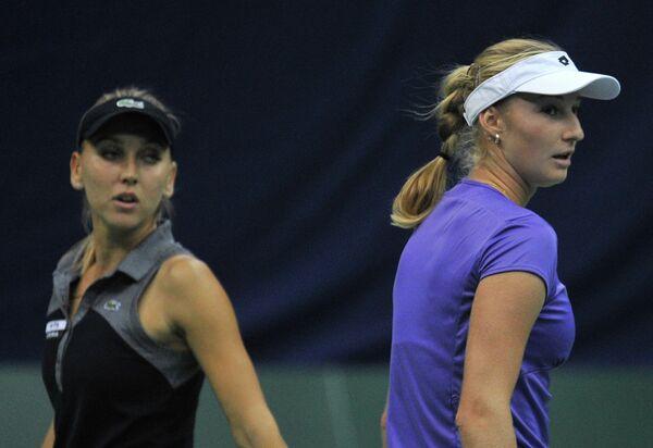 Елена Веснина и Екатерина Макарова (слева направо)
